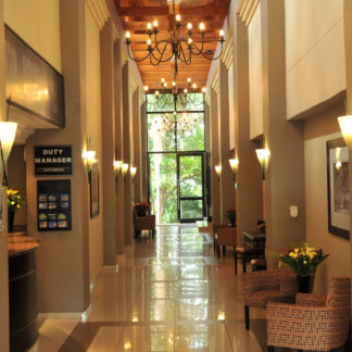 safari-lodge-hotel-convention-centre-lobby