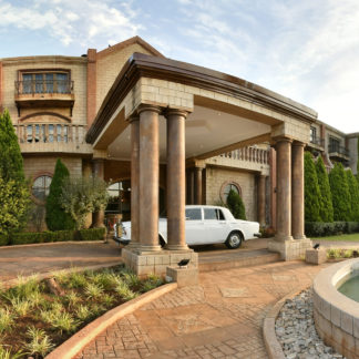 velmore-hotel-and-spa-entrance-rolls-royce