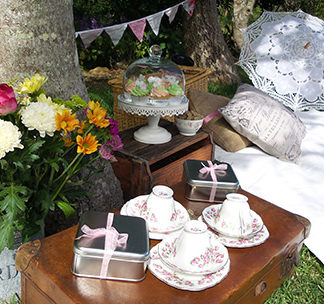 high-tea-picnic-gold